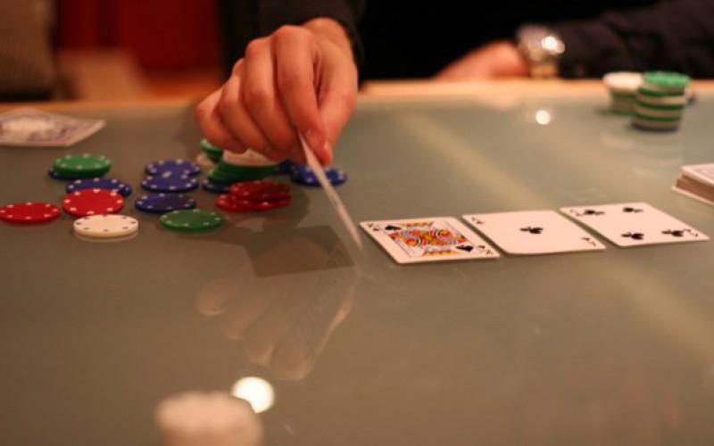 Причины для рейза в покере