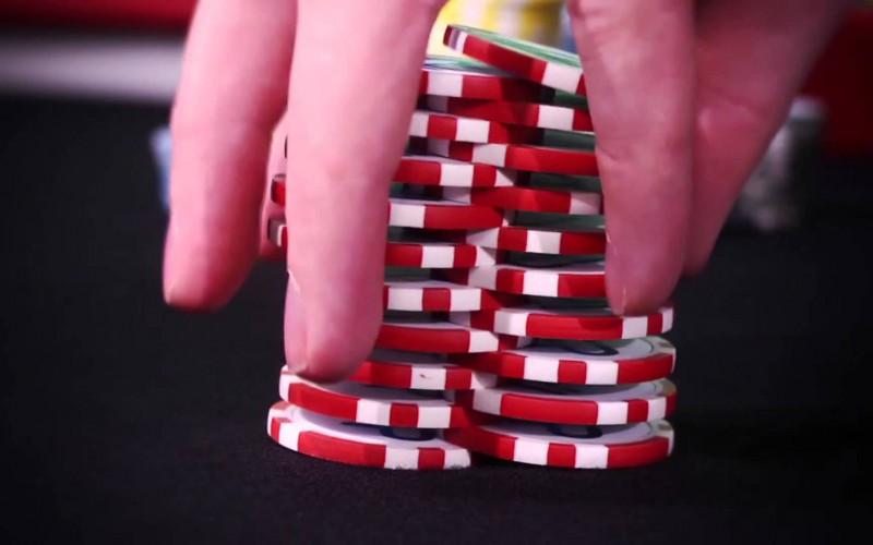 Видео: Трюки с покерными фишками 3 – The Tall Shuffle