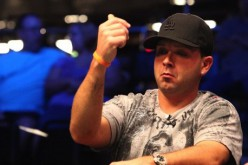 Как зарабатывать деньги с худшими руками в покере