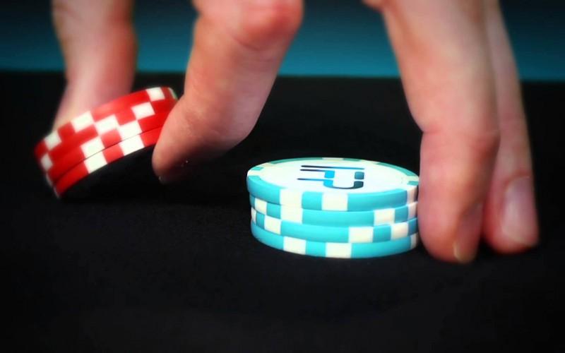 Трюки с покерными фишками: The Pick up