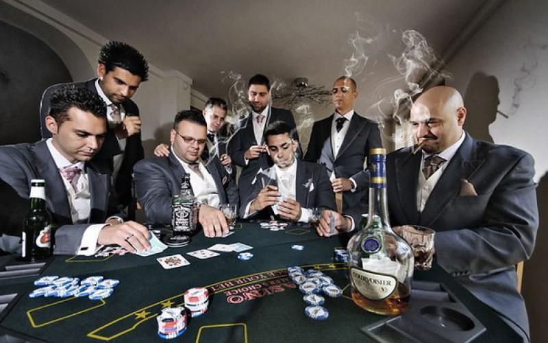 Покеристы любят алкоголь и недоедают