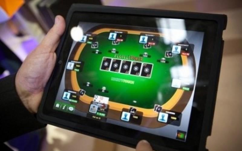 Ближайшее будущее: покер на мобильных и планшетах