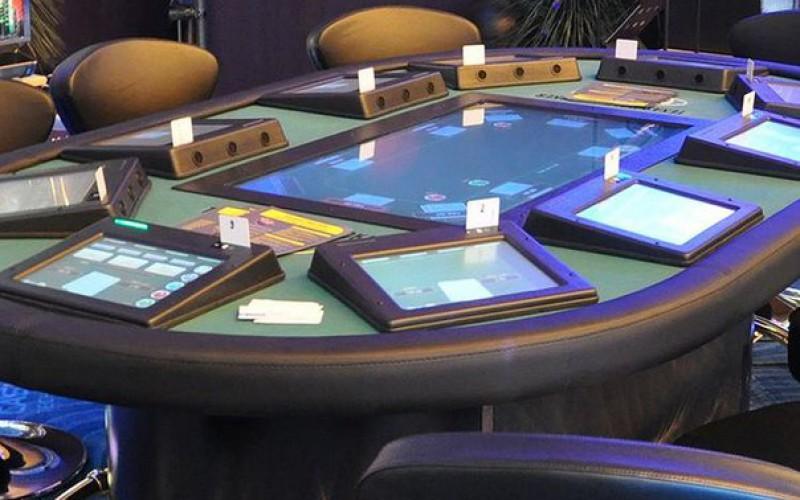 В Алматы представили электронные столы для покера