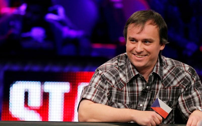 Мартин Стажко выиграл $110,000 в Sunday Warm-Up