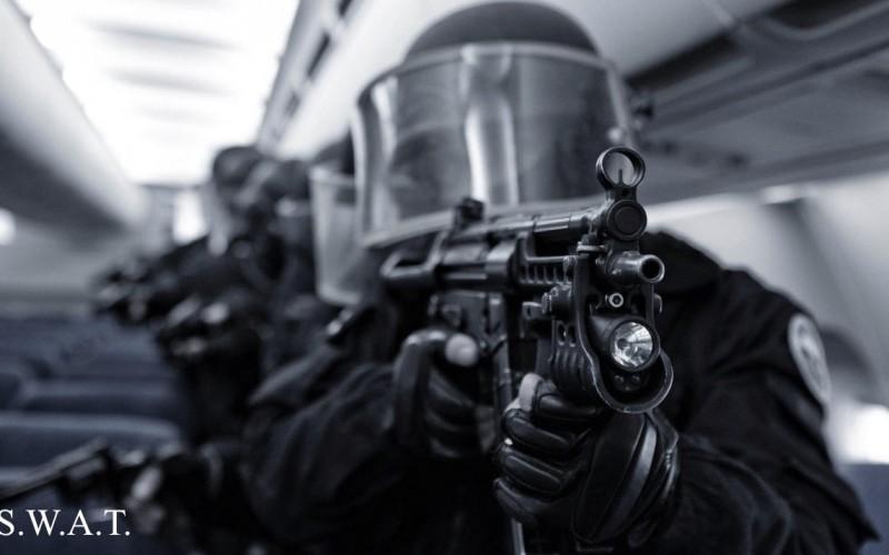 """Спецподразделение """"накрыло"""" нелегальный игорный дом в США"""
