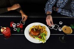 Расплатись за обед покером в новом лондонском ресторане