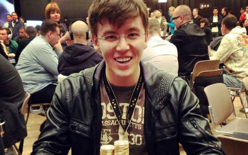 Анатолий Филатов лучший европейский покерист 2014 года по версии журнала BLUFF