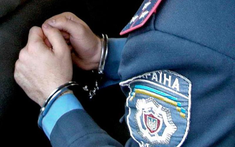 Милиционер прикрывал нелегальный покерный клуб