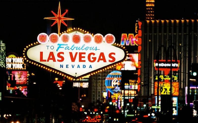 В Лас-Вегасе запретят использовать наличные за карточными столами
