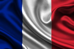 Французы могут вернуться в общий покерный пул