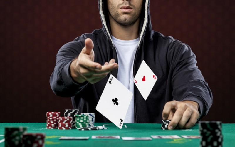 Из футболиста – в покеристы