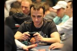 WSOP: Михаил Сёмин в 10 чип-лидеров турнира $10,000 Omaha Hi-Lo